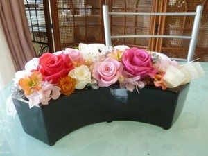 【プリザーブドフラワー】母の日、お誕生日、長寿の御祝いなどのプレゼントのお花として人気です。
