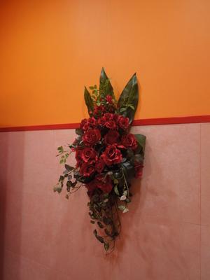 【壁掛け造花フラワーアレンジメント】インテリアや店舗ディスプレイなどに…